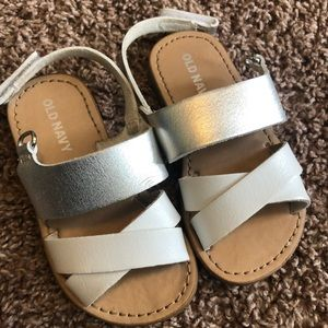 Size 6 old navy white and silver sandals